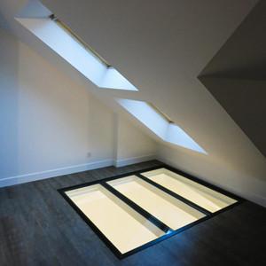 Puits de lumière vitré contemporain