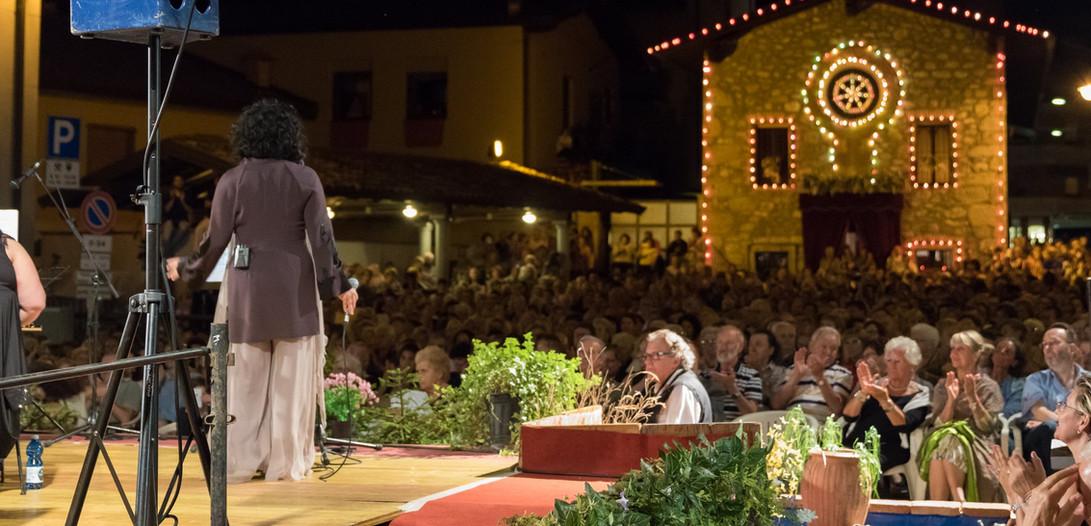 Antonella Ruggiero - piazza San Lorenzo