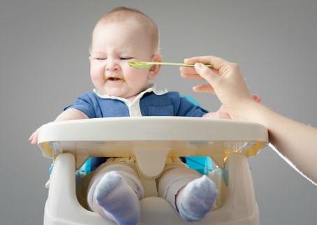 寶寶厭奶期|每餐餵到打架一樣?