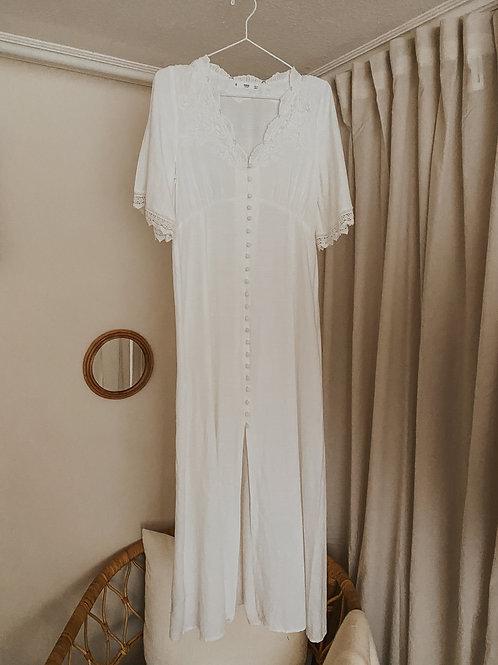 weißes Damenkleid