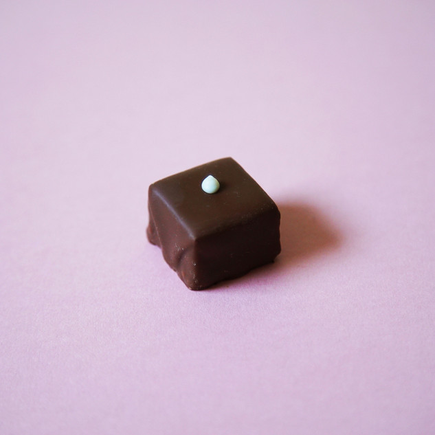 square whit drop_For_Website.jpg