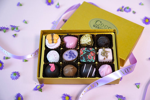 12 Chocolate Mothers Day Postal Selection Box