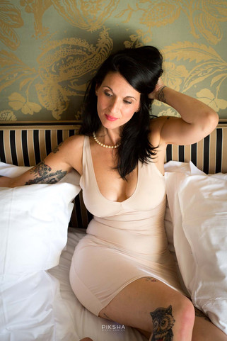 #vintage #photography #glamour #tattoos #retrohair #lipstick #retroglam #galmourous #boudoir #hotel #room #vintagehair #vintagestyle #retro #pinup #blouse #downblouse #photographer #pictures #snapshot #art #beautiful #instagood #picoftheday #photooftheday #color