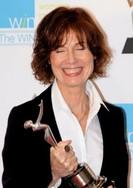 Linda Woolverton WIN 13 trophy_595_edite