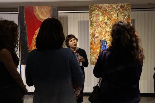 """""""Donde anida la tristeza"""": Exposición de la artista Eva Malhotra en el Consulado General de México e"""