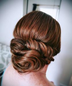 simple bridesmaid hair