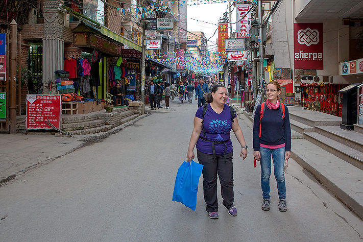 Corinne and Dorianne shopping in Thamel