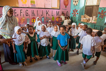 Children at the primary school in Stone Town | Zanzibar | Tanzania | Shots and Tales
