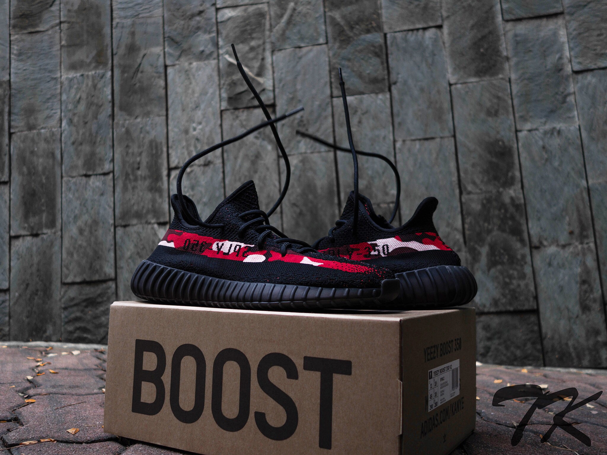 "Adidas Yeezy 350 V2 ""BLOOD CAMO"""