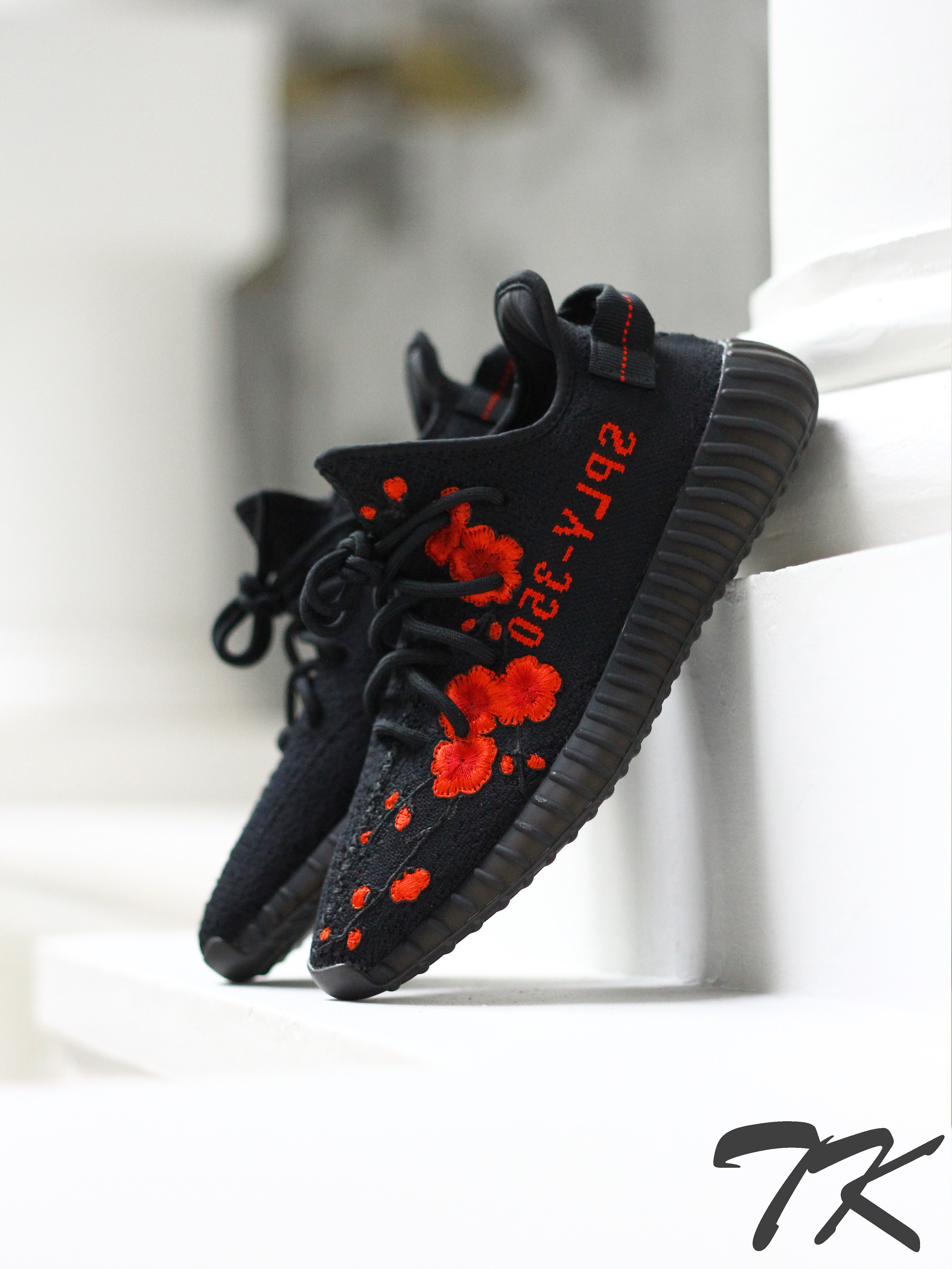 3e4f4c7514c75 ... closeout 1x adidas yeezy boost 350 v2 bred purchased from goat 2x red  cherry blossoms embroidery