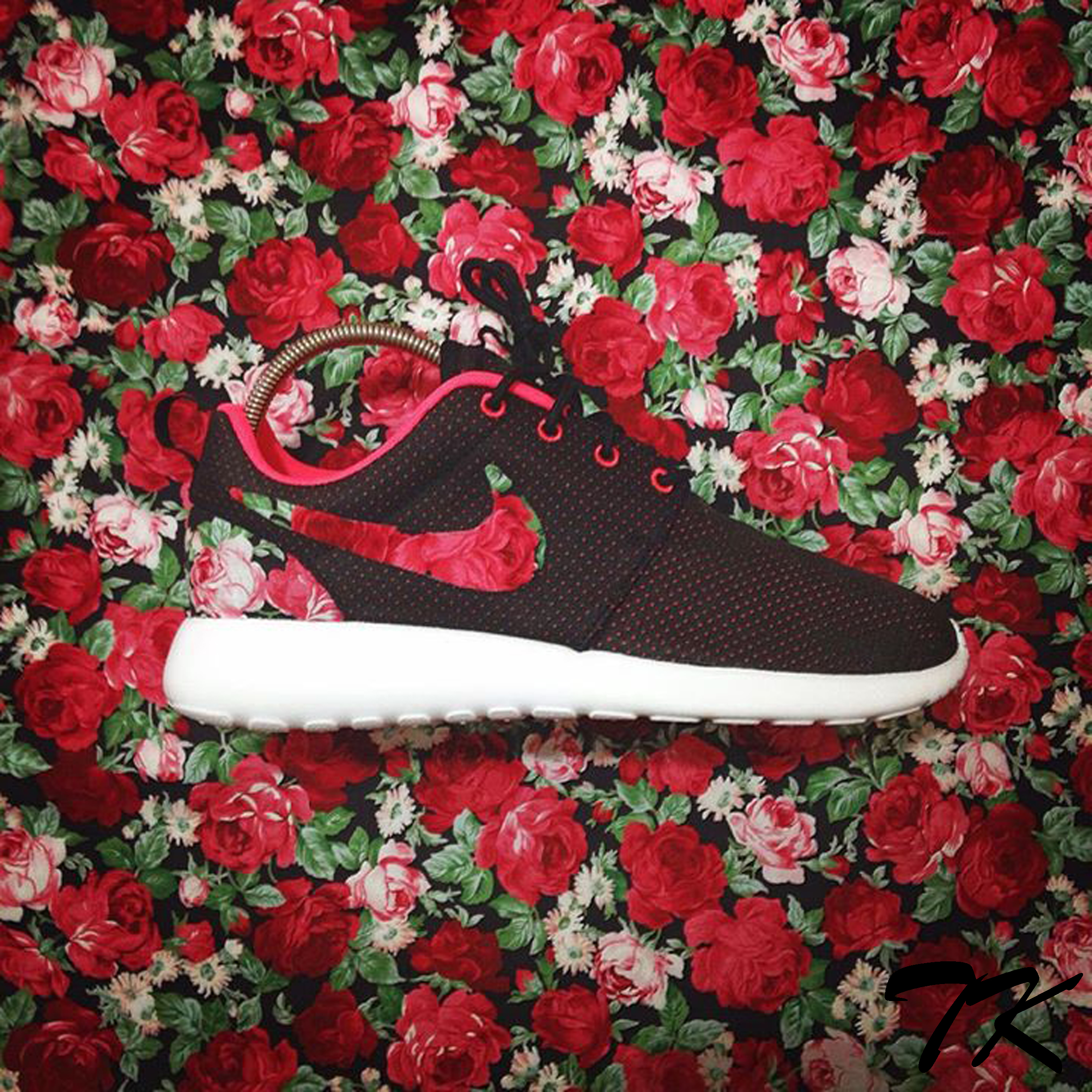 "Nike Roshe One""BED OF ROSES"""