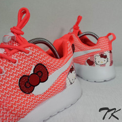 "Nike Roshe One ""HELLO KITTY"""