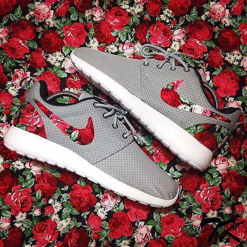 "TK Customs ""Bed of Roses"""