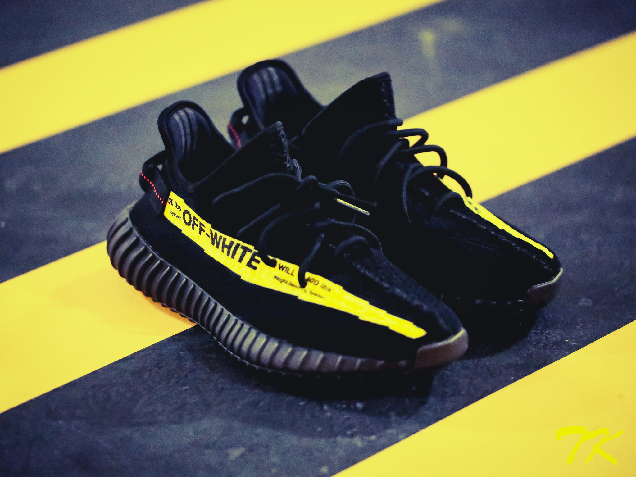 "Adidas Yeezy 350 V2 ""OFF WHITE"""