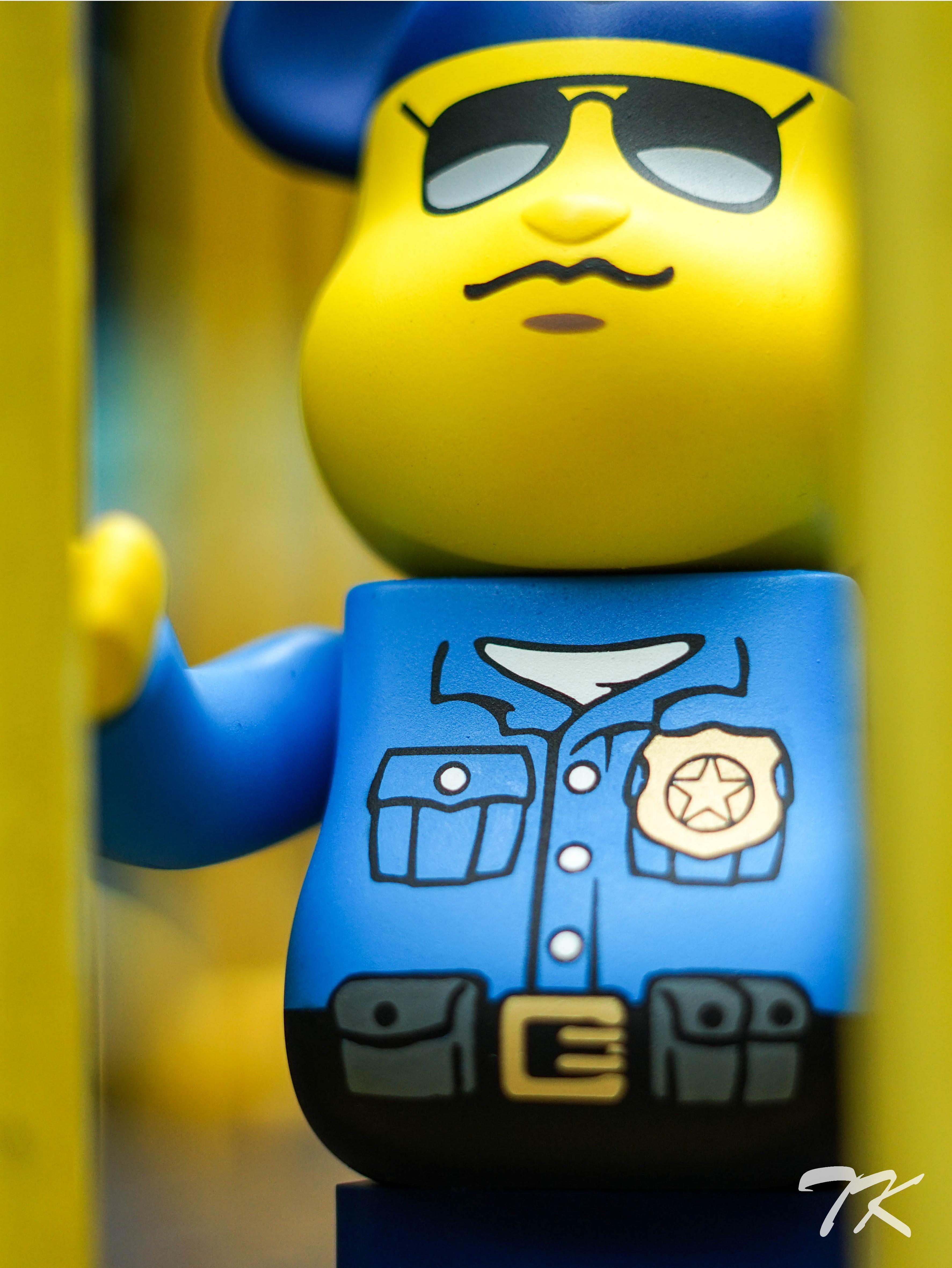 "Bearbrick 400% ""YEEZY POLICEMAN"""