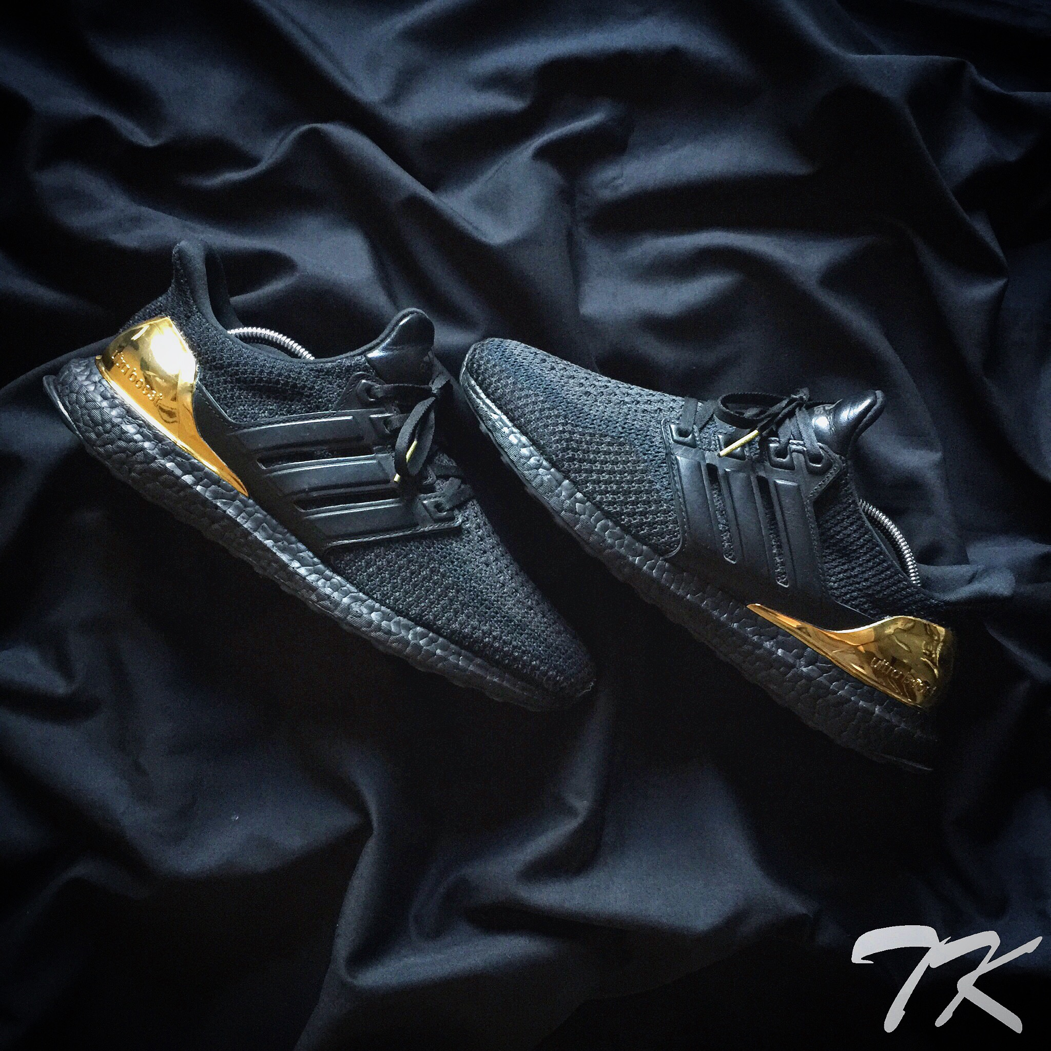 "Adidas Ultra Boost ""BLACKOUT"""