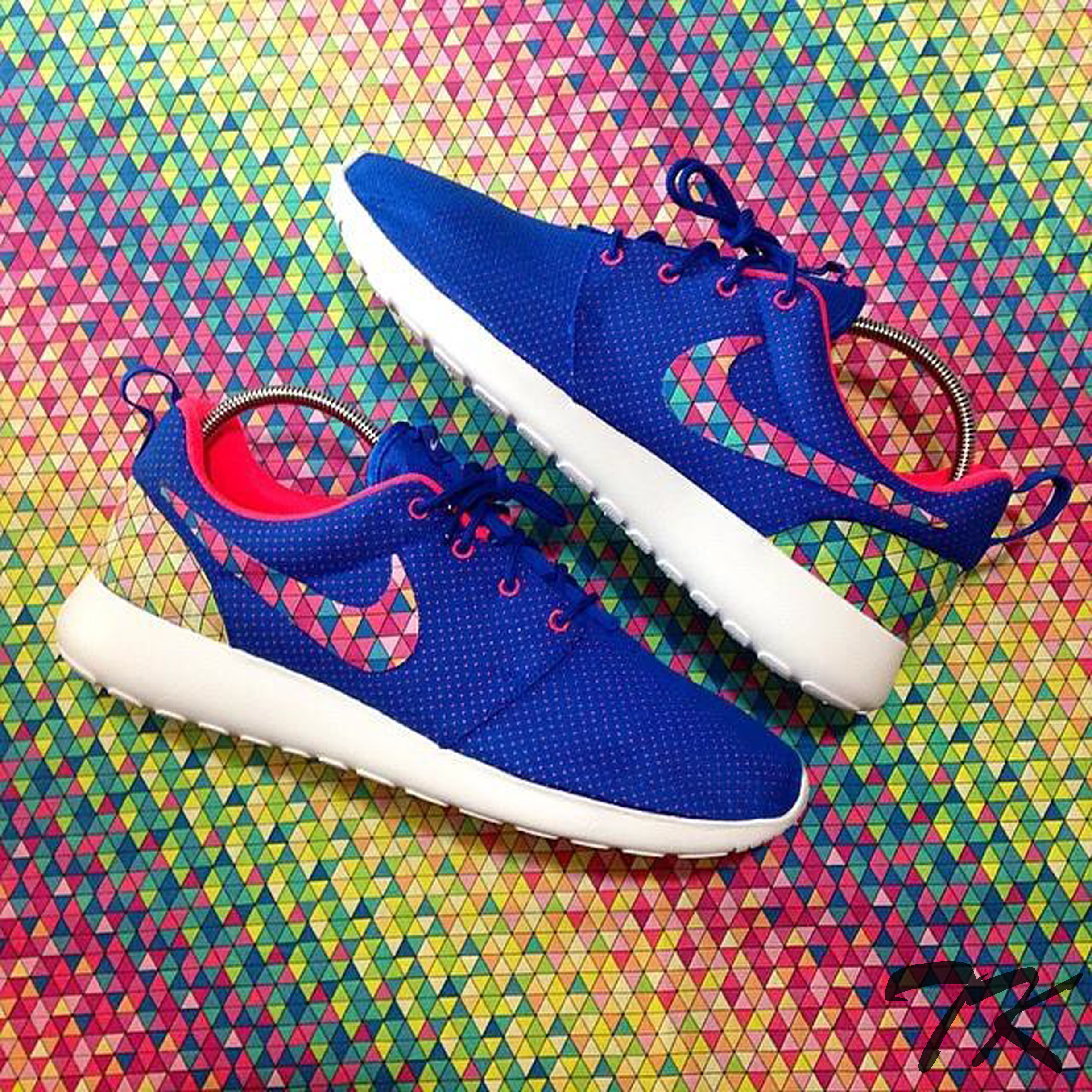 "Nike Roshe One ""RAINBOW GEOMETRIC"""