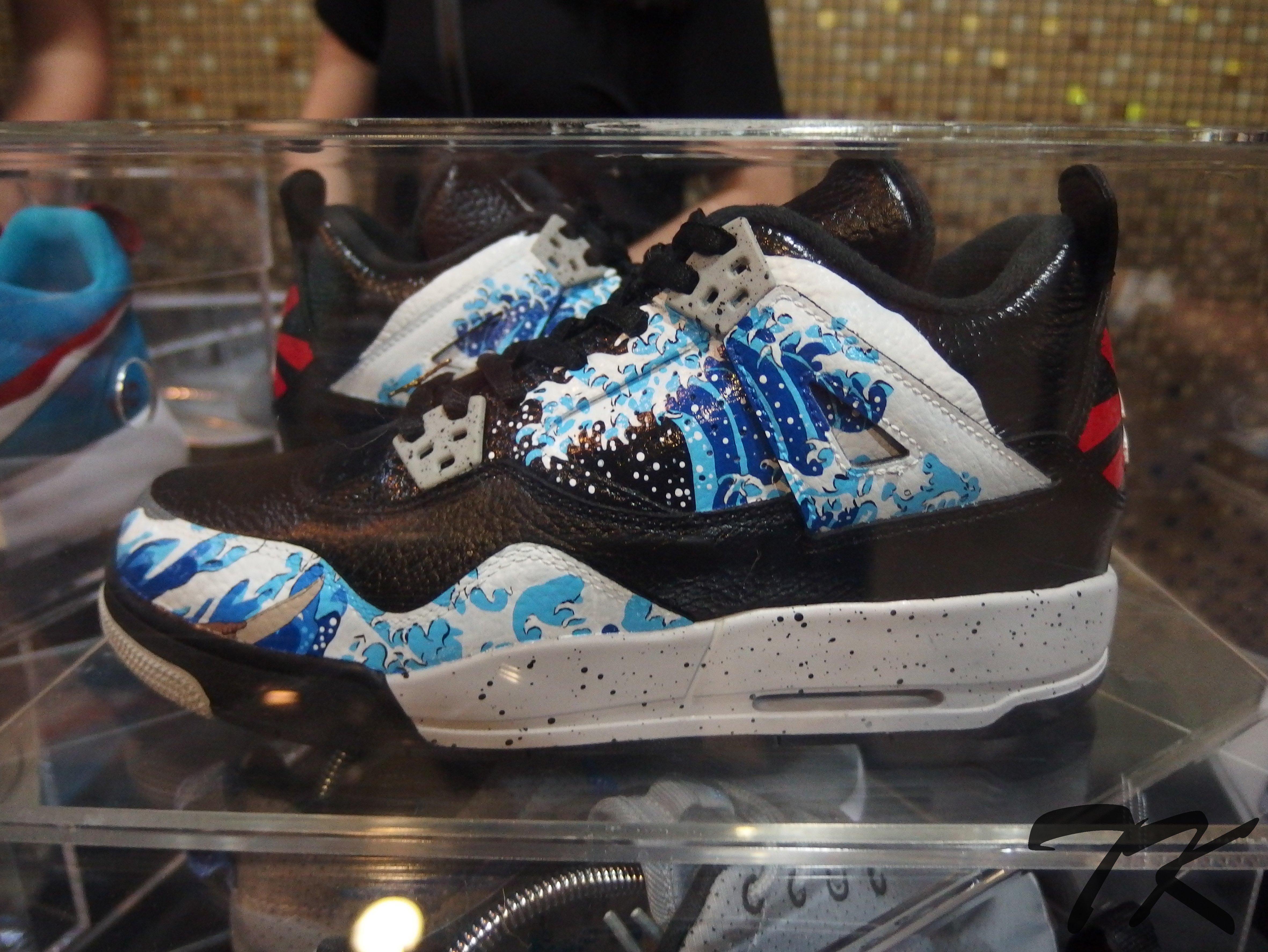 "Nike Air Jordan IV ""THE GREAT WAVE"""