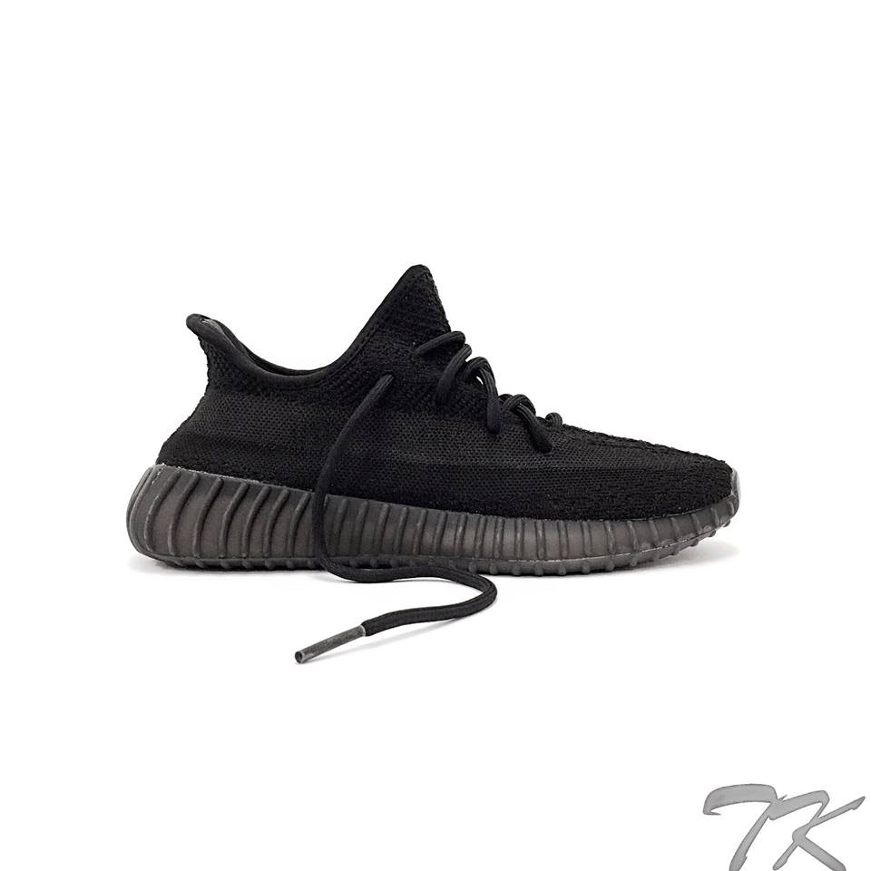 "Adidas Yeezy 350 V2 ""TRIPLE BLACK"""