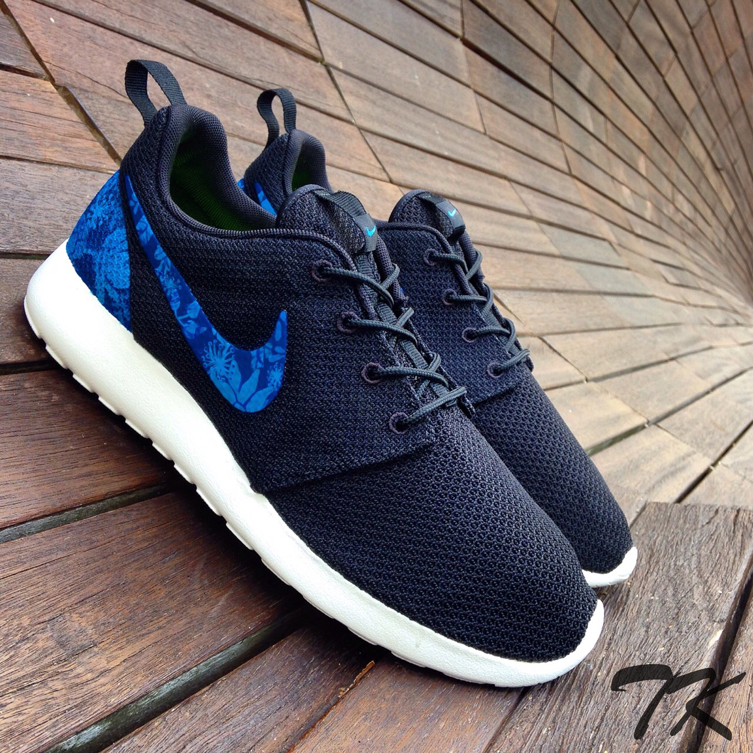"Nike Roshe One ""ROYAL FLORAL"""
