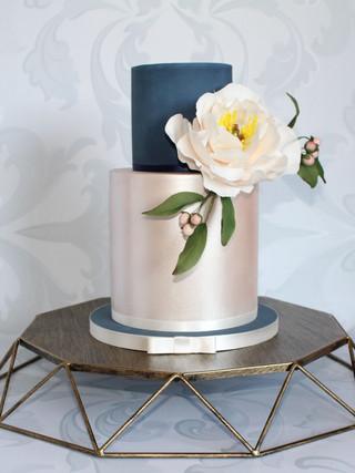 Geometric Cake Stand Brushed Gold