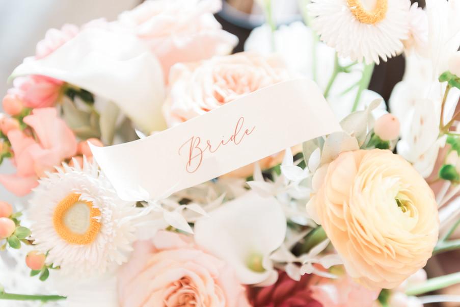 A modern bouquet for a modern bride