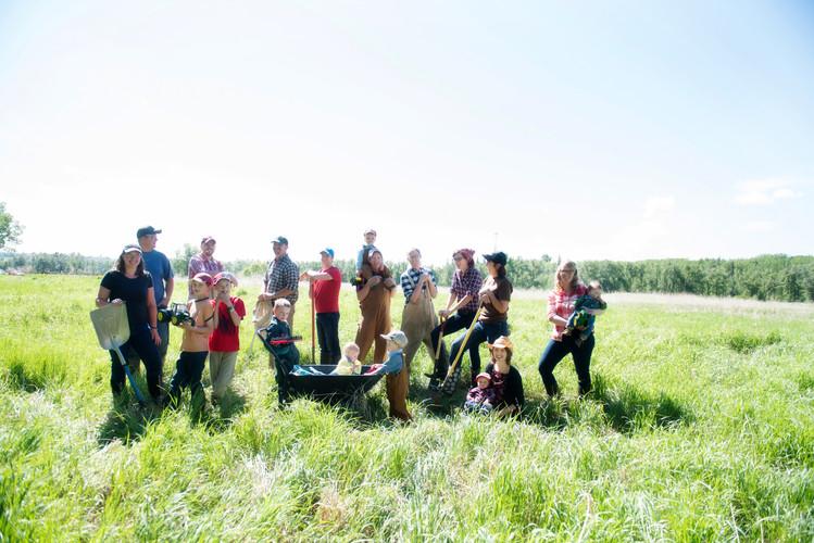 Farm Fresh Family Photo Session at Fish Creek Park