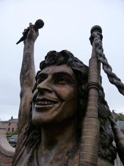 Bon's sculpture in Kirriemuir