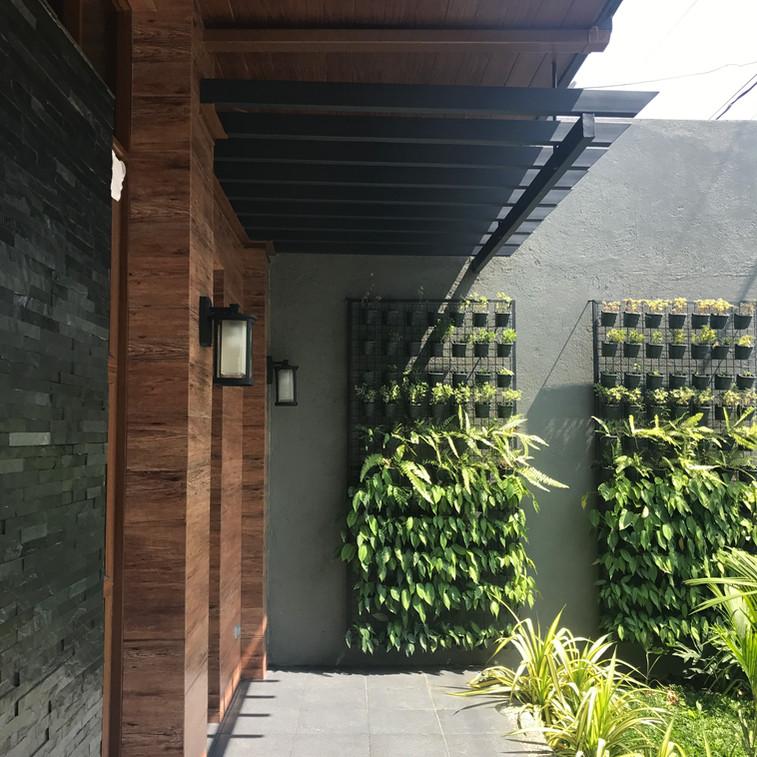 Encarnacion Residence