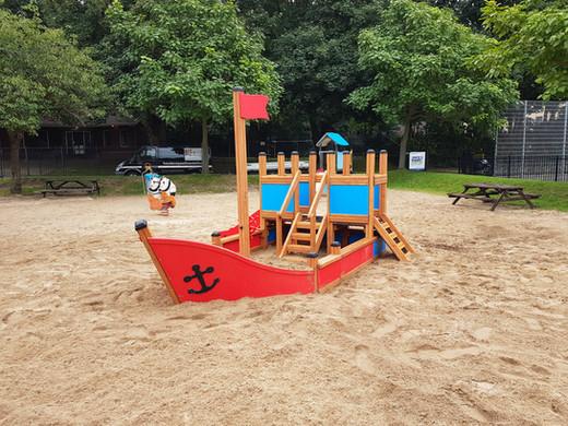 speeltoestel kleine boot