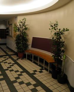 Ujamaa elevator seat