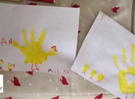 Un dessin-empreinte de Pâques