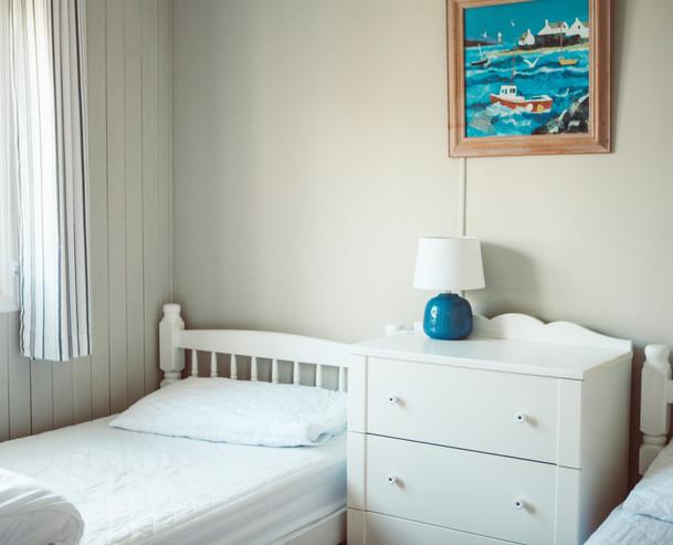 2 singles room