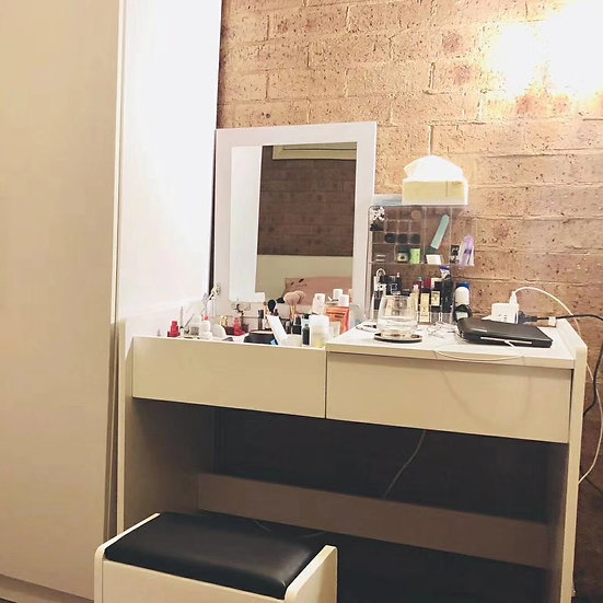 Dressing Table with Foldaway Mirror with Drawers & Seat
