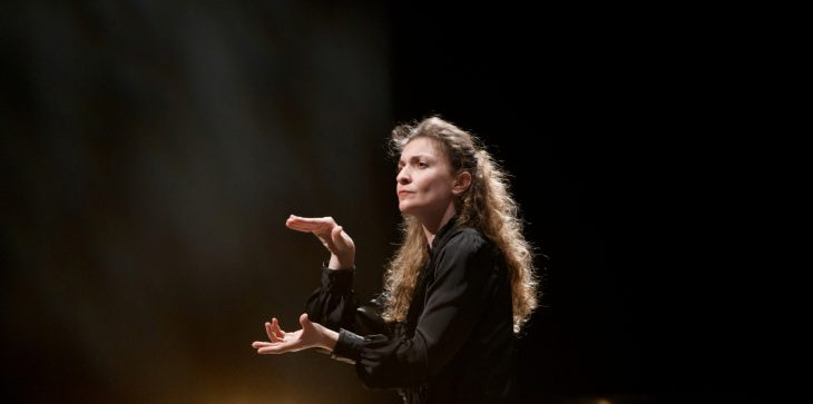 Zoi conducts Shostakovich's tribute to the victims of fascism and war