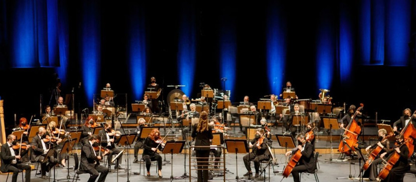 Zoi conducts Beethoven's Eroica for the bicentennial of the Greek Independence