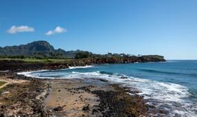 ShipwreckHike_Kauai.jpg