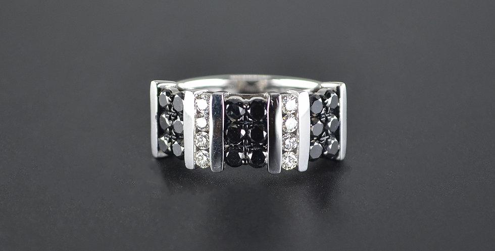 Black and White Diamonds Columns White Gold Ring