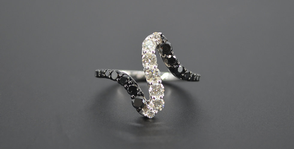 Black & White Diamond Heartbeat Ring