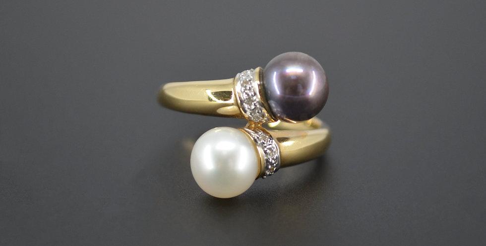 Black & White Pearl & Diamond Ring