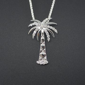 palm tree diamond 0.45 pendant.jpg