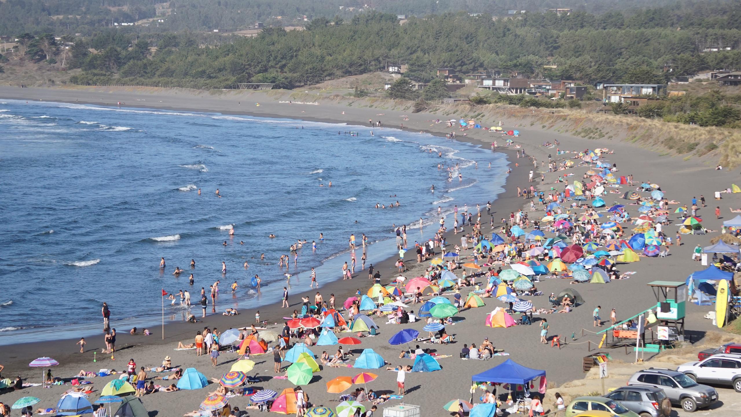 The crowds at Pichilemu
