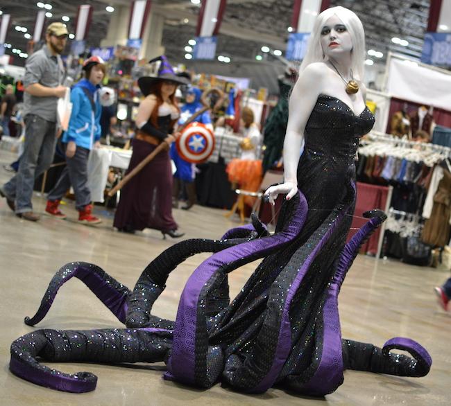 Créditos: project-nerd.com/2014/03/24/2014-planet-comicon-ursula-cosplay-gallery/
