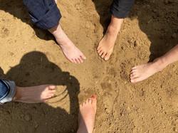 裸足で土踏みグラウディング療法法