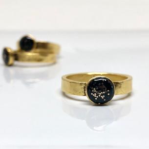 Black sparkles Ring.jpg