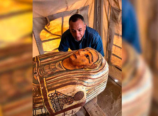 Descubren 27 sarcófagos de más de 2 mil 500 años de antigüedad, en Egipto.