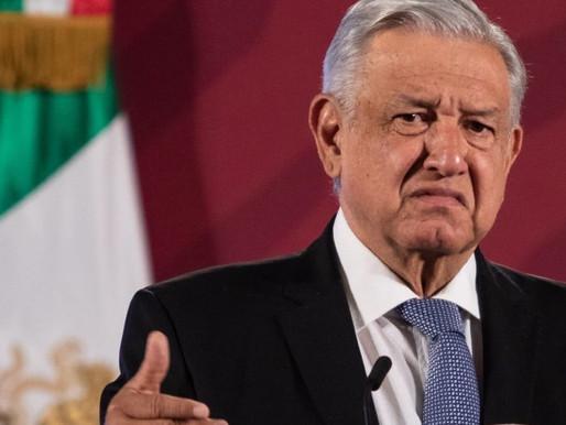 ¡El director de Twitter México es panista!, acusa AMLO y la plataforma digital le responde.