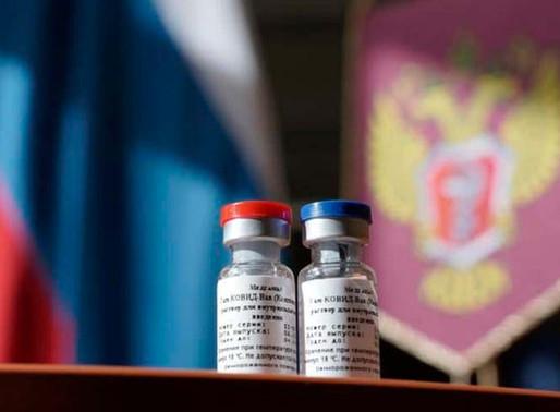 En un año, Rusia tendrá vacunada contra covid al 80% de su población.