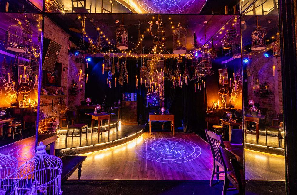 the-wizards-den-wonderland-bar11.jpg