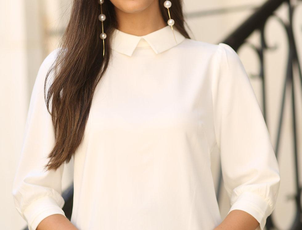 חולצת צווארון לבנה